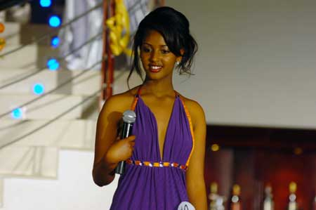A girl attends the finals of Miss Ethiopia 2009 Beauty Pageant in Addis Ababa, capital of Ethiopia, Jan. 18, 2009