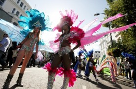 Crowds Flock To Notting Hill For 2010 Carnival